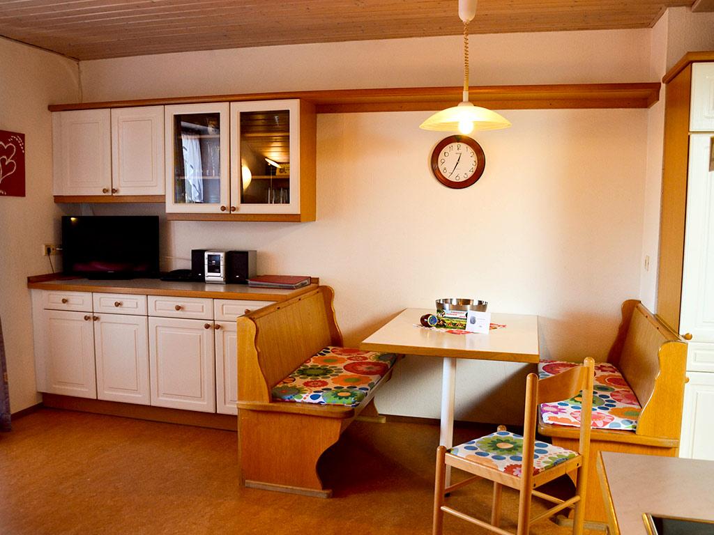 Ferienwohnung Storchennest, Ferienhof Joas in Gerolfingen, Essbereich