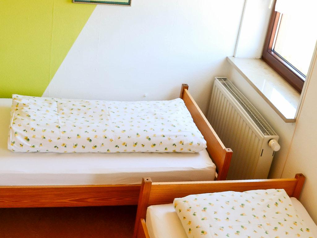 Ferienwohnung Storchennest, Ferienhof Joas in Gerolfingen, Kinderzimmer