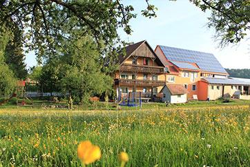 Family Farm, Ferienbauernhof-Emmert