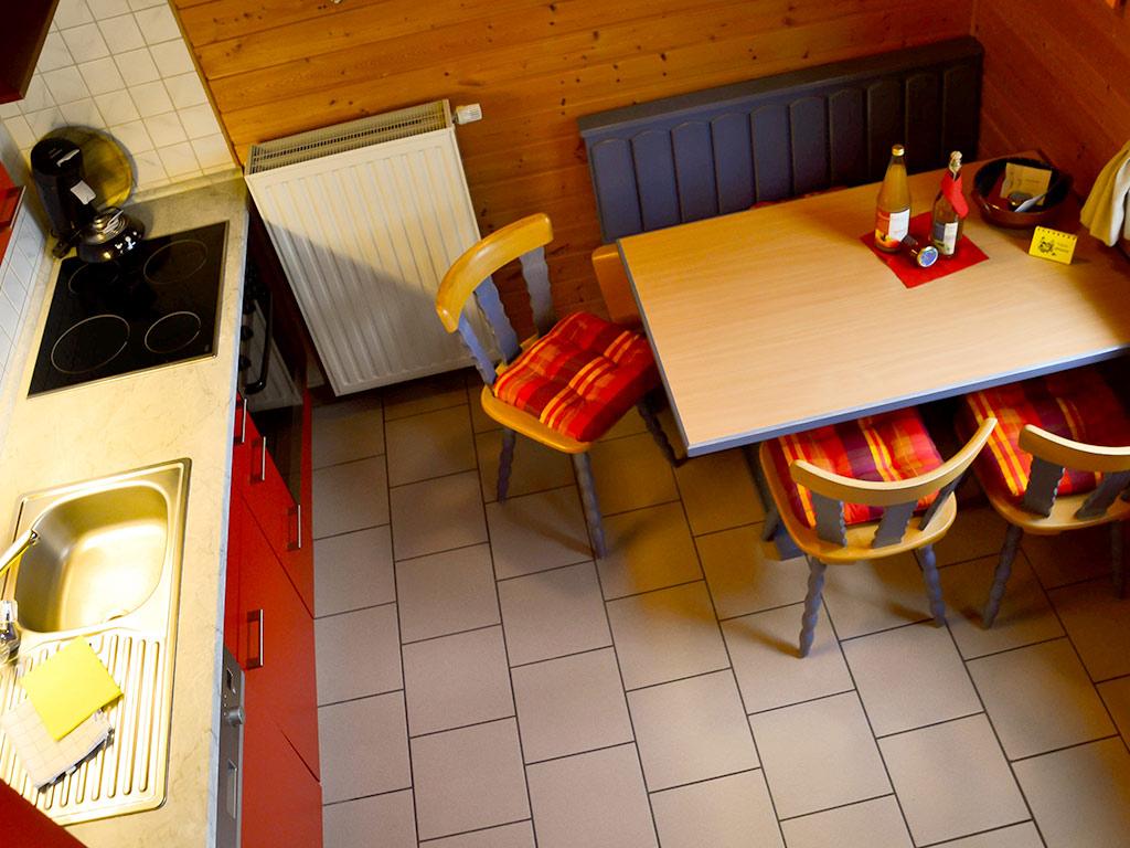 Ferienhaus Fink, Ferienhof Joas in Gerolfingen, Essbereich mit Küche